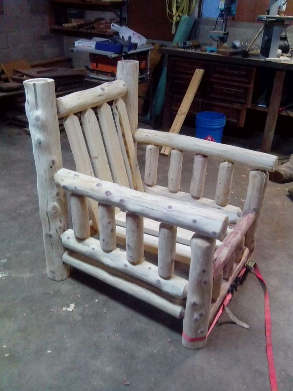 How to build a log chair