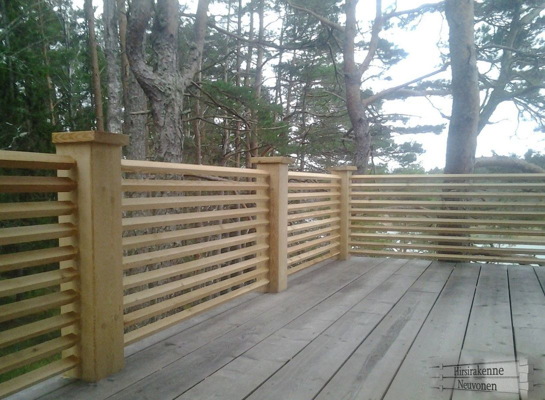 90-degree round tenons on 4x4 railing